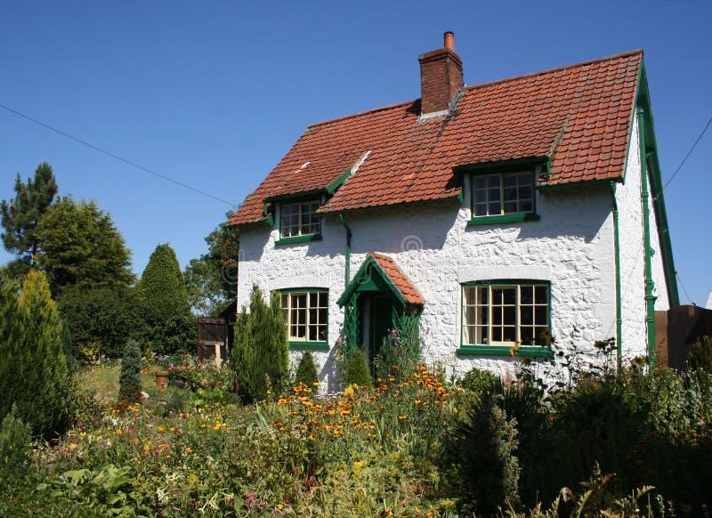 Αγγλικό εξοχικό σπίτι στοκ φωτογραφία με δικαίωμα ελεύθερης χρήσης