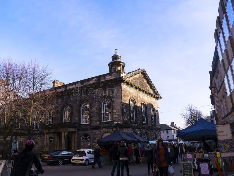 Αγορά αγροτών μπροστά από το μουσείο πόλεων στο Λάνκαστερ Αγγλία στοκ εικόνα