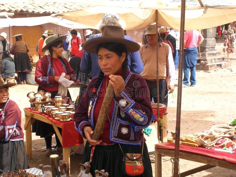 Αγορά αναμνηστικών σε Raqchi, Περού, Νότια Αμερική στοκ φωτογραφίες