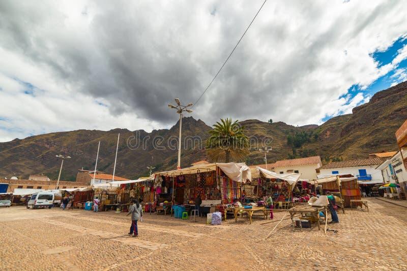 Αγορά της Κυριακής σε Pisac, περιοχή Cusco, του Περού στοκ εικόνες
