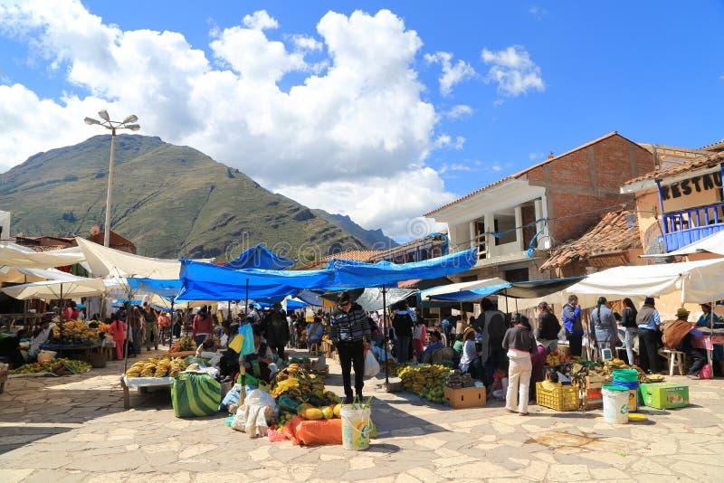 Αγορά της Κυριακής σε Pisac, Περού στοκ φωτογραφία