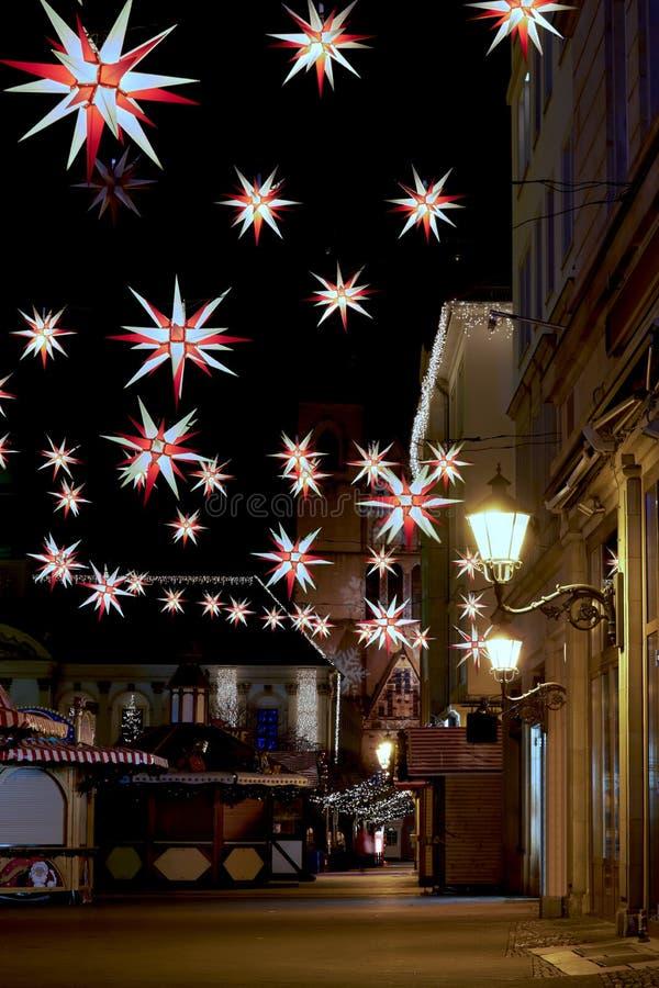 Αγορά Χριστουγέννων στην παλαιά αγορά Magdeburg τη νύχτα στοκ εικόνα με δικαίωμα ελεύθερης χρήσης