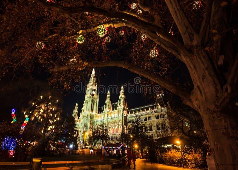 Αγορά Χριστουγέννων στη Βιέννη Δημαρχείο σε Rathausplatz, Αυστρία, Ευρώπη στοκ φωτογραφίες με δικαίωμα ελεύθερης χρήσης