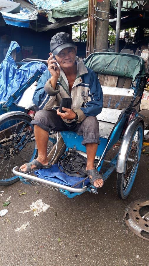 Αγορά χρώματος οδηγών Tuc tuc στοκ εικόνα