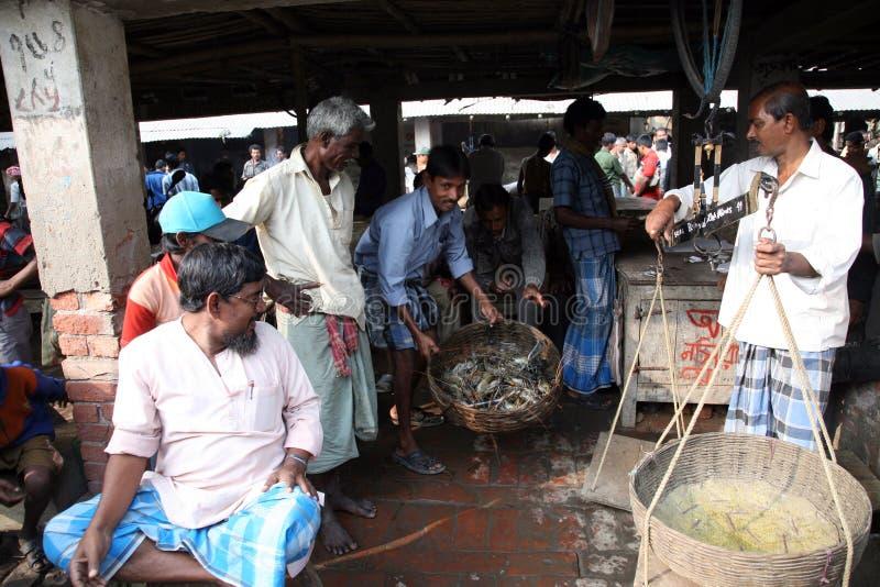 αγορά kumrokhali ψαριών στοκ εικόνες