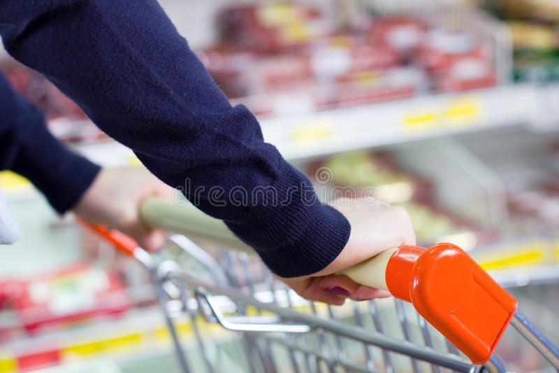 αγορές ώθησης πελατών κάρρ& Στοκ Εικόνες