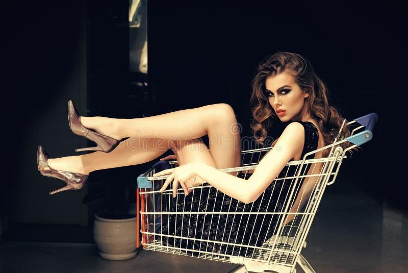 Αγοραστής, shopaholic, αγορές, κατάστημα στοκ φωτογραφίες