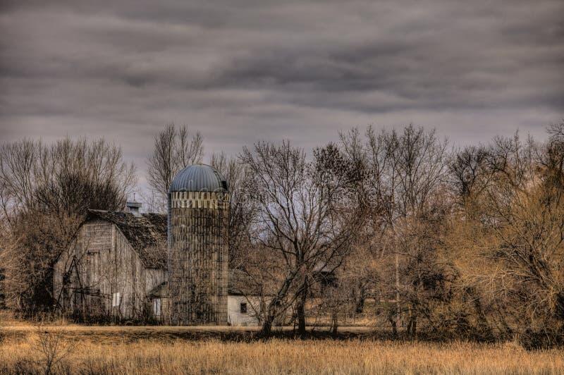 Αγροτικά κτήρια στο ξύλο στοκ εικόνες