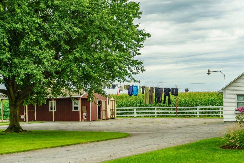 Αγροτικά πλυμένα σιταποθήκη ενδύματα χωρών Amish στο Λάνκαστερ, PA στοκ φωτογραφία με δικαίωμα ελεύθερης χρήσης