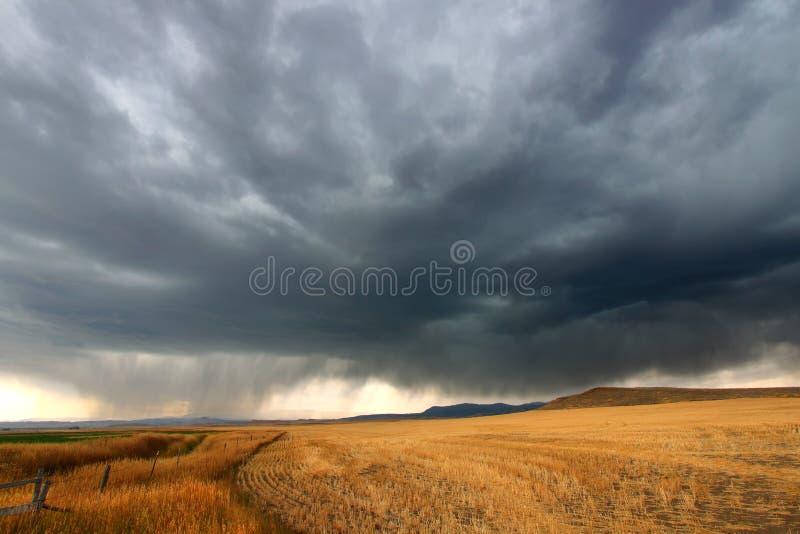 αγροτική θύελλα της Μοντάνα σύννεφων στοκ φωτογραφία με δικαίωμα ελεύθερης χρήσης