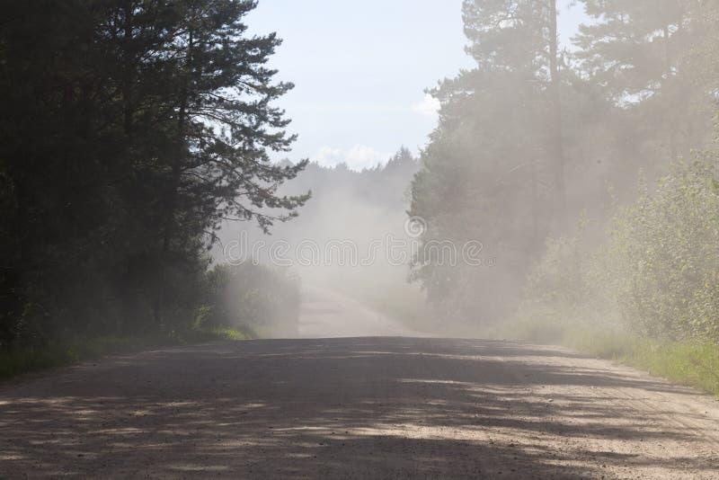 αγροτικός σκονισμένος δρόμος στοκ εικόνες με δικαίωμα ελεύθερης χρήσης