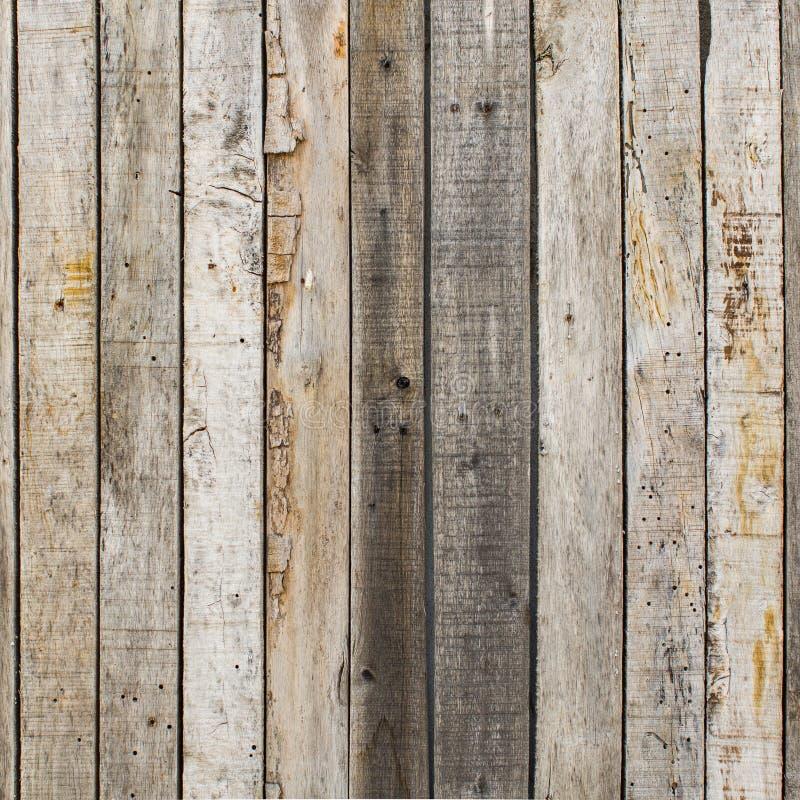 Αγροτικό ξεπερασμένο ξύλινο υπόβαθρο σιταποθηκών με τους κόμβους και τις τρύπες καρφιών στοκ εικόνα με δικαίωμα ελεύθερης χρήσης
