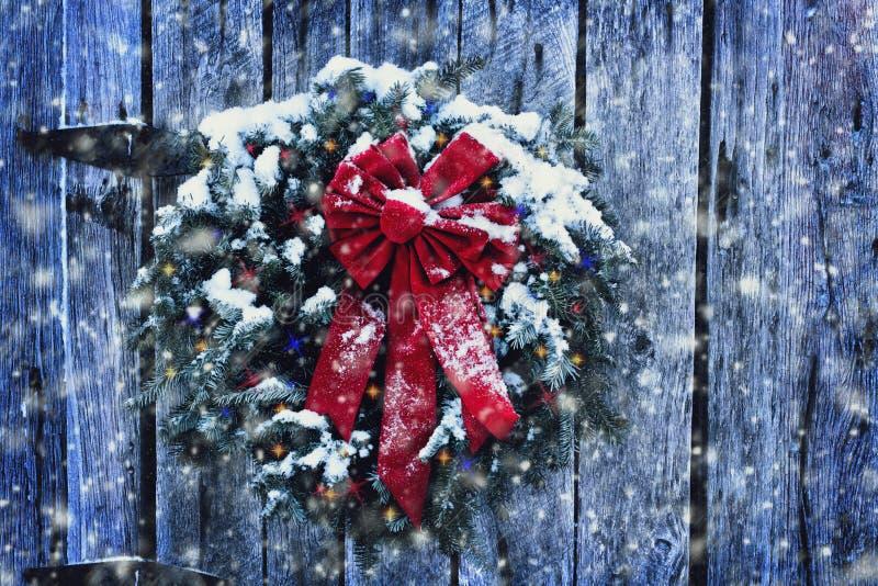 Αγροτικό στεφάνι Χριστουγέννων στοκ εικόνες με δικαίωμα ελεύθερης χρήσης