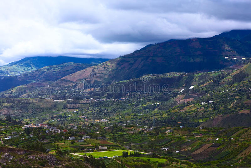 Αγροτικό τοπίο στην επαρχία Tungurahua, Ισημερινός στοκ εικόνες