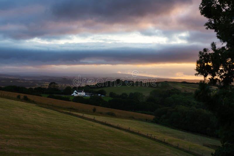 Αγροτικό contryside το βράδυ στοκ εικόνα με δικαίωμα ελεύθερης χρήσης