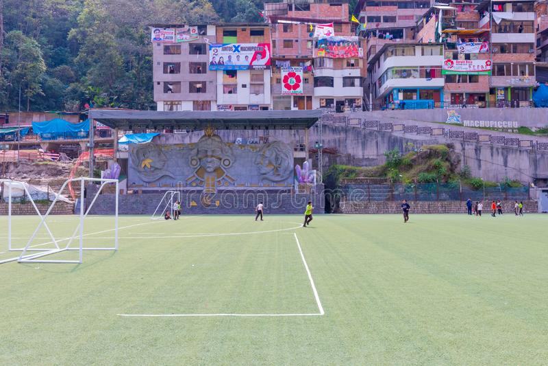 Αγωνιστικός χώρος ποδοσφαίρου σε Aguas Calientes Περού στοκ φωτογραφία με δικαίωμα ελεύθερης χρήσης