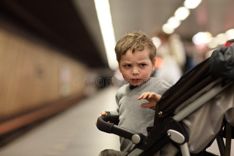 αγόρι βαρύθυμο στοκ φωτογραφίες με δικαίωμα ελεύθερης χρήσης