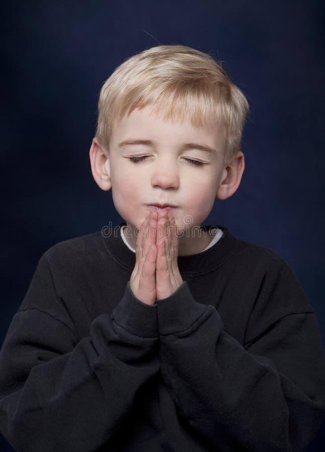 αγόρι λίγη επίκληση στοκ εικόνα με δικαίωμα ελεύθερης χρήσης