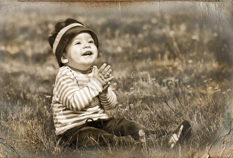 αγόρι λίγο αναδρομικό ύφος στοκ φωτογραφίες με δικαίωμα ελεύθερης χρήσης