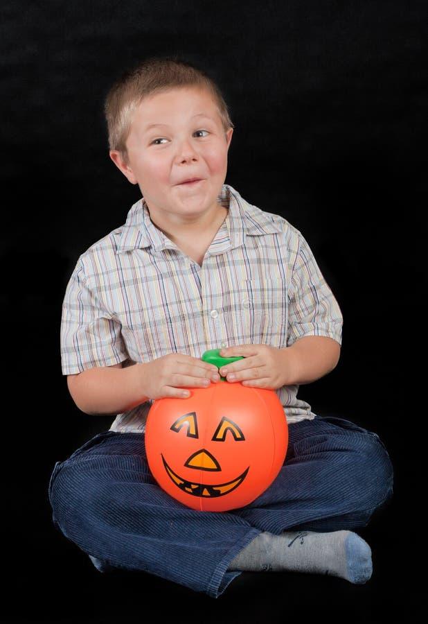 Αγόρι με την κολοκύθα στοκ εικόνα με δικαίωμα ελεύθερης χρήσης