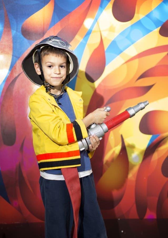 Αγόρι πυροσβεστών στοκ φωτογραφίες με δικαίωμα ελεύθερης χρήσης