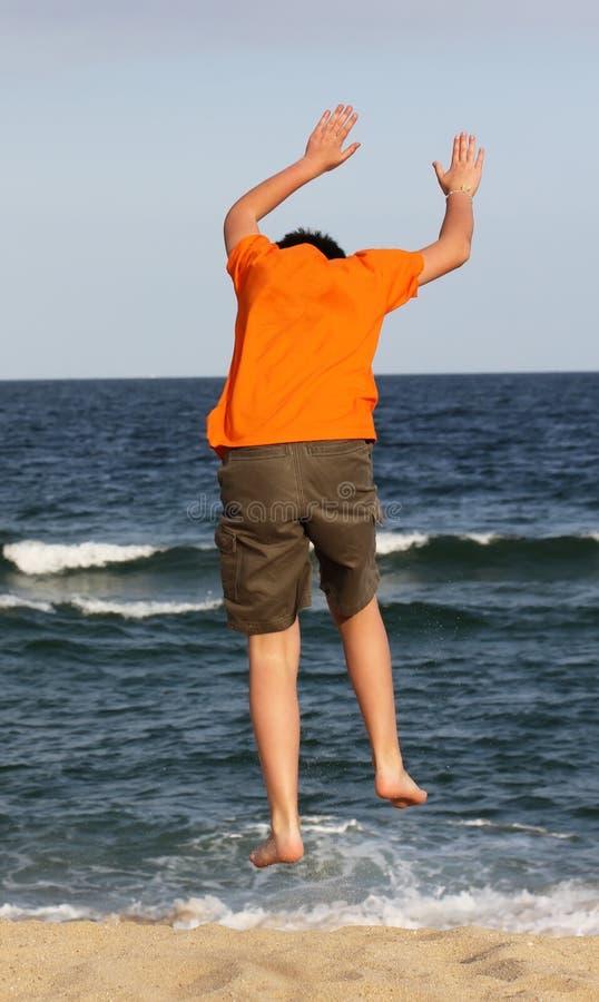 Αγόρι στη θάλασσα στοκ φωτογραφία με δικαίωμα ελεύθερης χρήσης