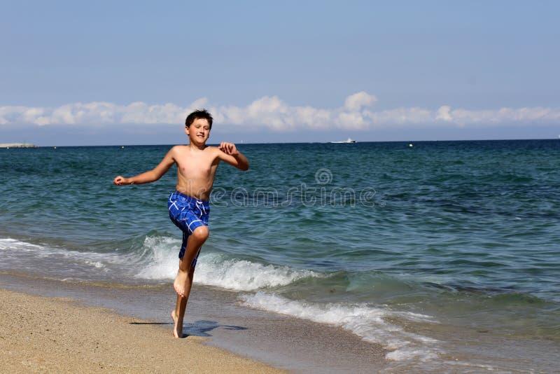 Αγόρι στις καλοκαιρινές διακοπές στοκ φωτογραφίες με δικαίωμα ελεύθερης χρήσης