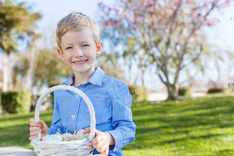 Αγόρι στο χρόνο Πάσχας στοκ φωτογραφίες με δικαίωμα ελεύθερης χρήσης