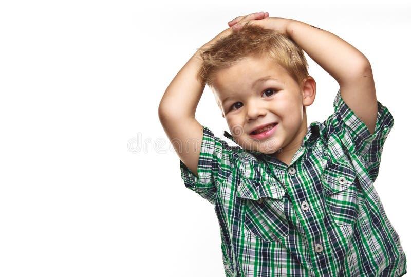 αγόρι χαριτωμένο λίγη χαμο&g στοκ φωτογραφία με δικαίωμα ελεύθερης χρήσης