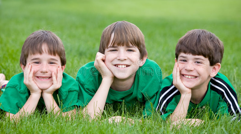 αδελφοί πράσινα τρία στοκ εικόνες