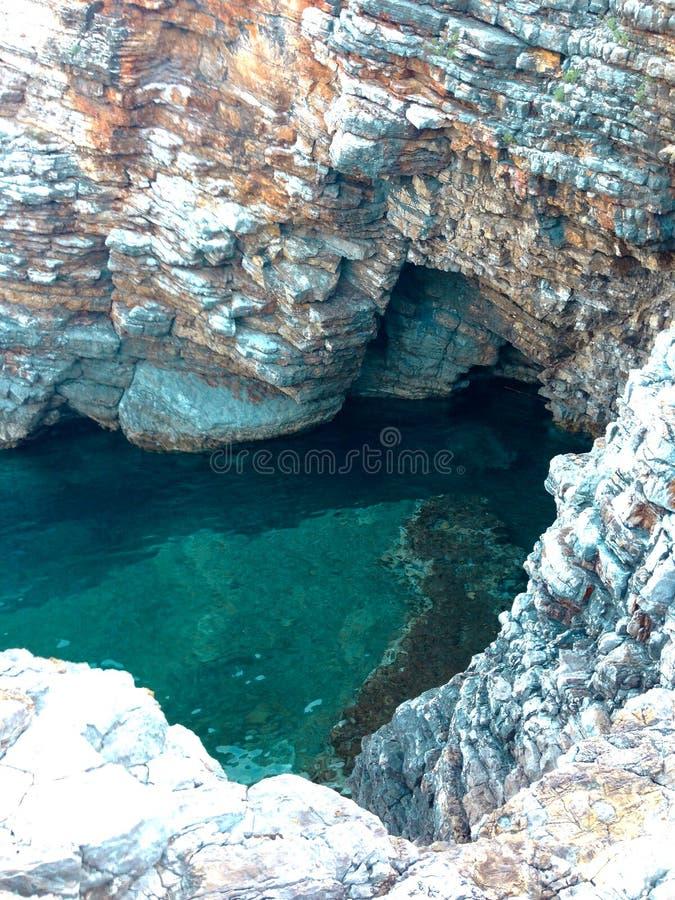 Αδριατικοί θάλασσα και βράχοι στο Μαυροβούνιο στοκ εικόνες