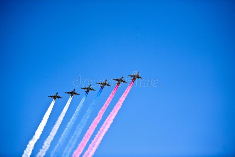 Αεριωθούμενα αεροπλάνα στο σχηματισμό, Μόσχα, Ρωσία στοκ φωτογραφία