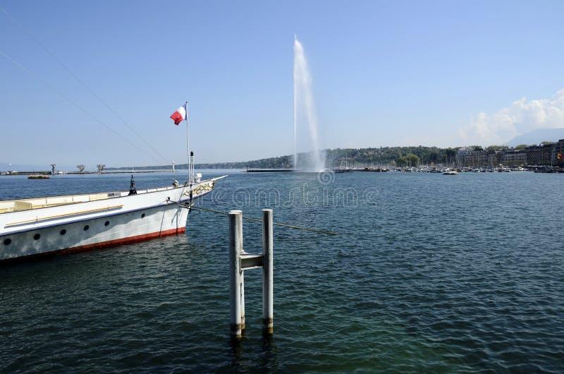 Αεριωθούμενες δ ` EAU προβολή ύδατος και μαρίνα της Γενεύης, ελβετικά στοκ εικόνες