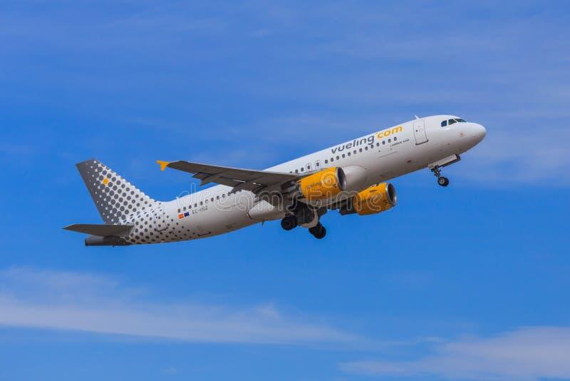 Αεριωθούμενη απογείωση Vueling στοκ φωτογραφία με δικαίωμα ελεύθερης χρήσης