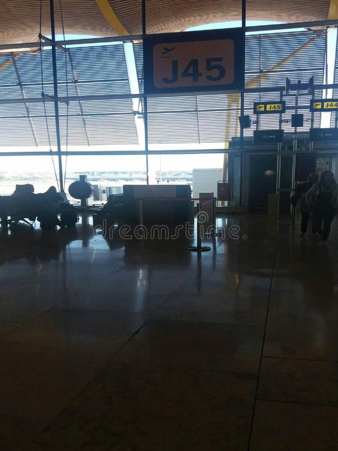 Αερολιμένας στο σαντάντερ Ισπανία, που περιμένει την πτήση στοκ φωτογραφία με δικαίωμα ελεύθερης χρήσης