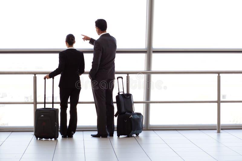 αερολιμένας businesspeople στοκ εικόνες