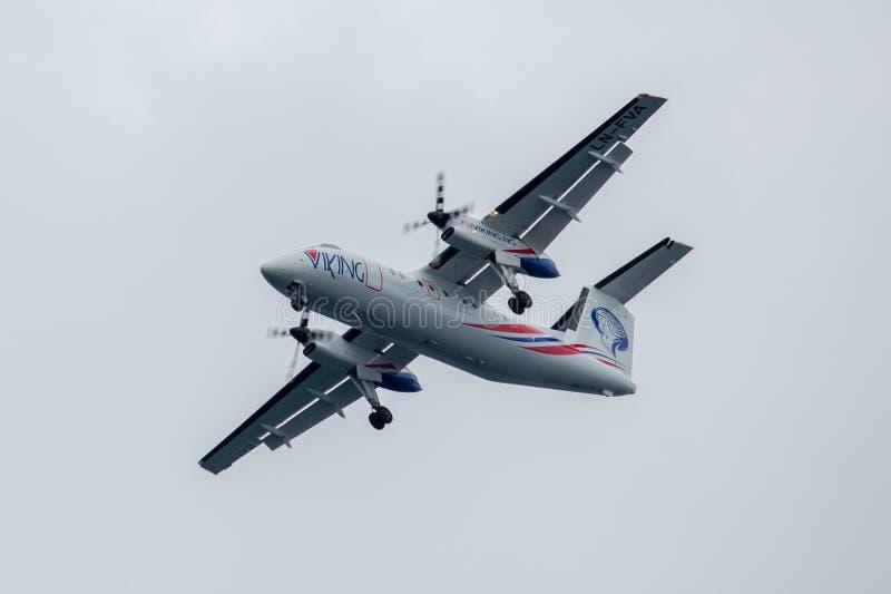 Αεροπλάνο στη στολή FlyViking, πρίν προσγειώνεται σε Stokmarknes, Νορβηγία στοκ εικόνα με δικαίωμα ελεύθερης χρήσης