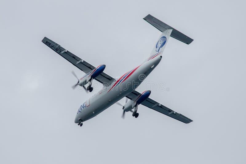 Αεροπλάνο στη στολή FlyViking, πρίν προσγειώνεται σε Stokmarknes, Νορβηγία στοκ εικόνες με δικαίωμα ελεύθερης χρήσης