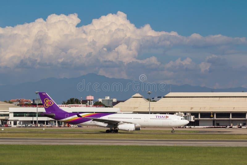 Αεροπλάνο του ταϊλανδικού διεθνούς airbus εναέριων διαδρόμων A330 στοκ εικόνες