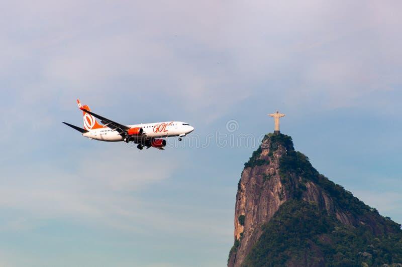 Αεροσκάφη και Χριστός ο απελευθερωτής στοκ εικόνα με δικαίωμα ελεύθερης χρήσης