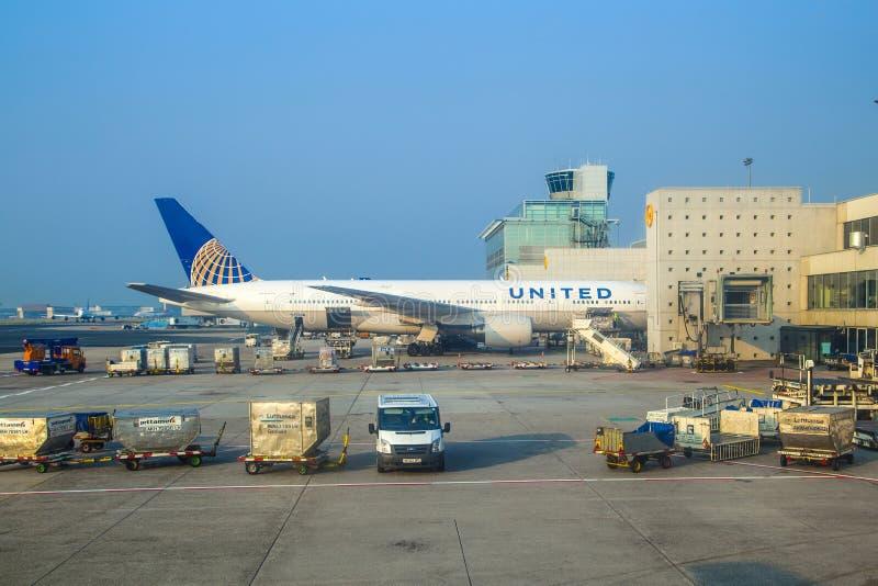 Αεροσκάφη στην πύλη στοκ φωτογραφίες