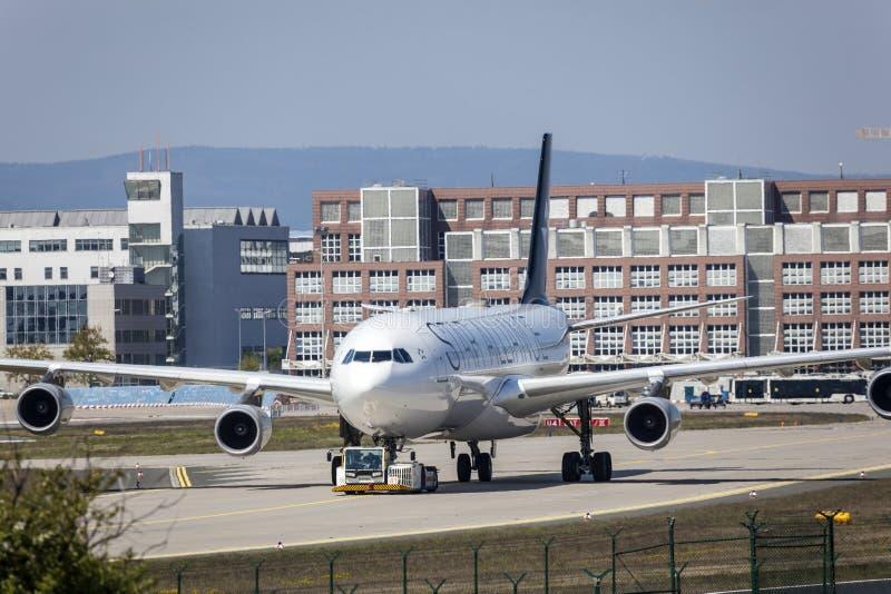 Αεροσκάφη συμμαχίας αστεριών στον αερολιμένα της Φρανκφούρτης στοκ φωτογραφία με δικαίωμα ελεύθερης χρήσης