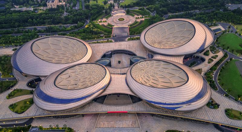 Αεροφωτογραφία - μεγάλο θέατρο Jiangsu στοκ εικόνες