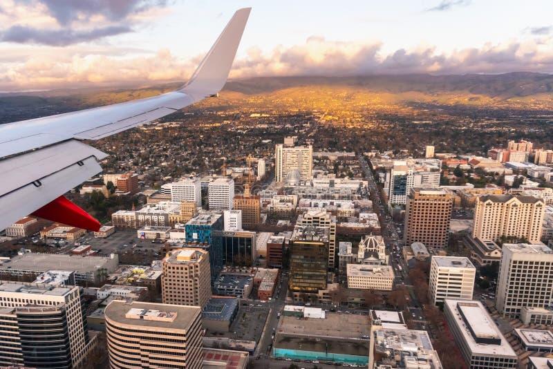 αεροφωτογραφία του κέντρου του San Jose το βράδυ· Silicon Valley, περιοχή South San Francisco Bay, Καλιφόρνια στοκ εικόνα με δικαίωμα ελεύθερης χρήσης
