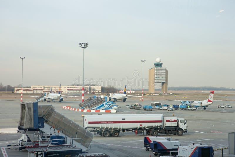 Αερολιμένας ΟΦΘΑΛΜΩΝ, πύργος ελέγχου στοκ εικόνες με δικαίωμα ελεύθερης χρήσης