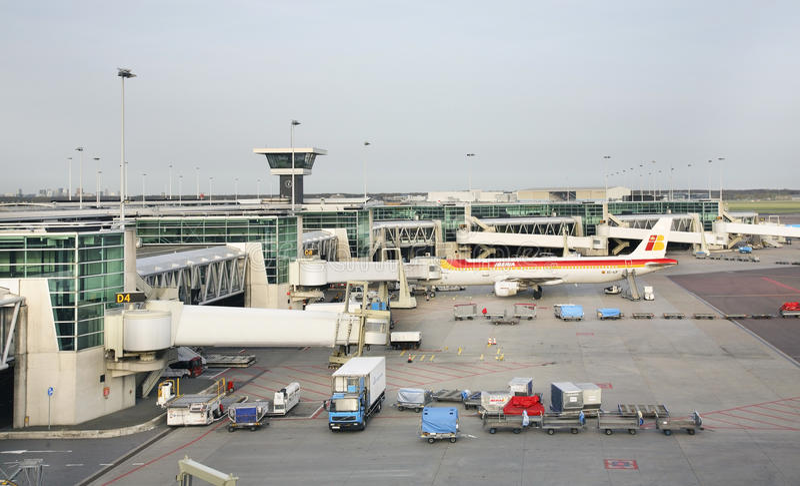 Αερολιμένας Schiphol του Άμστερνταμ Αεροπλάνο netherlands στοκ φωτογραφία με δικαίωμα ελεύθερης χρήσης