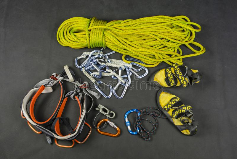 Αθλητική αναρρίχηση - βασικός εξοπλισμός του ορειβάτη στοκ εικόνες με δικαίωμα ελεύθερης χρήσης