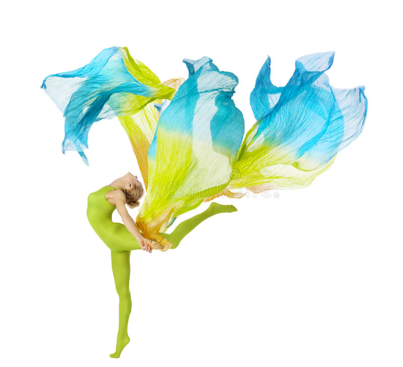 Αθλήτρια που χορεύει με το πετώντας κυματίζοντας ύφασμα άνω της λευκιάς ΤΣΕ στοκ φωτογραφίες με δικαίωμα ελεύθερης χρήσης