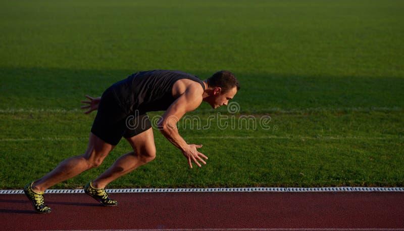 Αθλητική έναρξη ατόμων στοκ φωτογραφίες