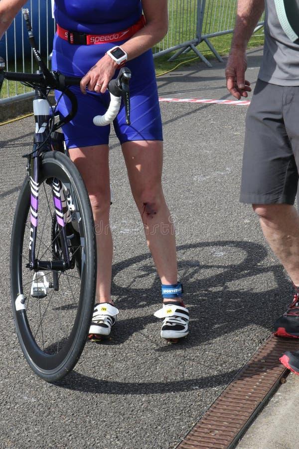Αθλητικός triathlon τραυματισμός στοκ εικόνα